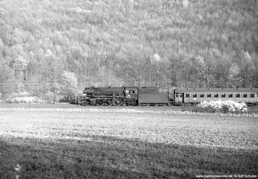 http://www.traktionswandel.de/pics/foren/hifo/1974/1974-04-09_A223-02_023039-1_BwCrailsheim_N3882_ReichenbergerGrund_1000.jpg