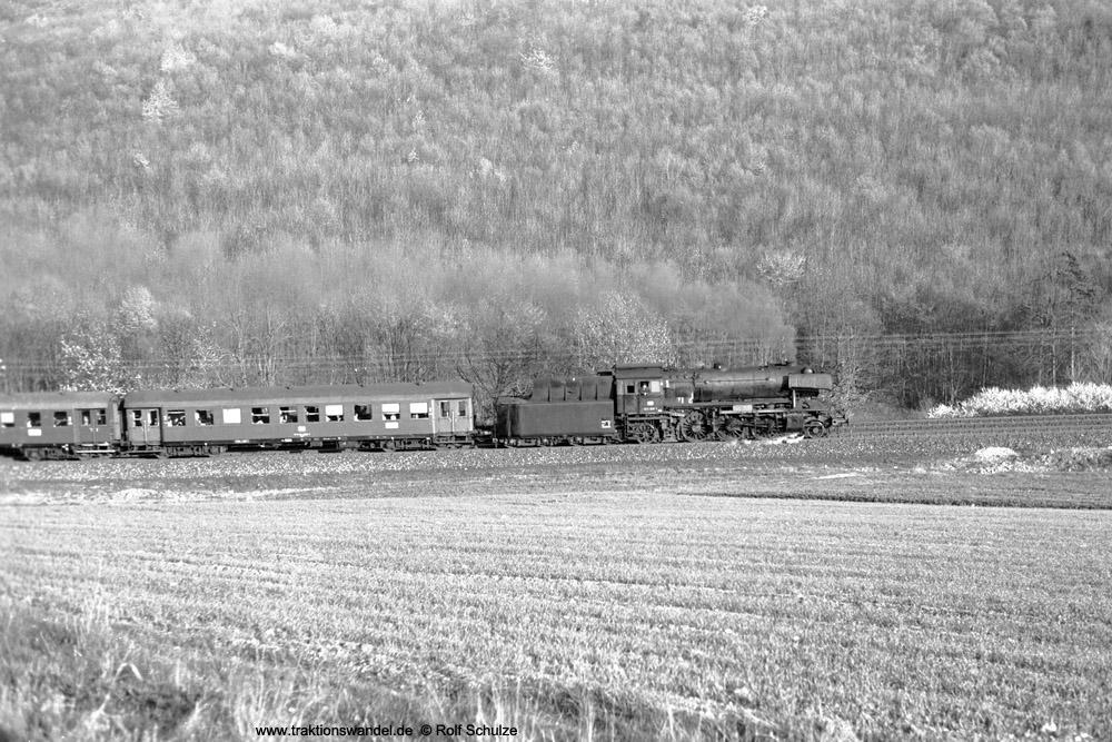 http://www.traktionswandel.de/pics/foren/hifo/1974/1974-04-09_A223-06_023020-1_BwCrailsheim_N3899_ReichenbergerGrund_1000.jpg