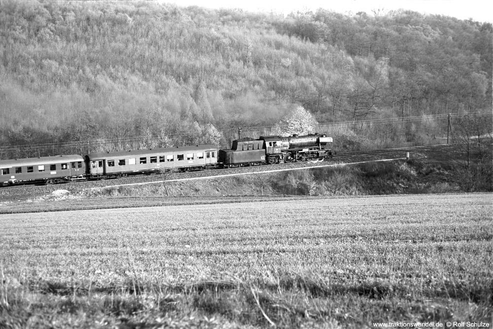 http://www.traktionswandel.de/pics/foren/hifo/1974/1974-04-09_A223-07_023020-1_BwCrailsheim_N3899_ReichenbergerGrund_1000.jpg