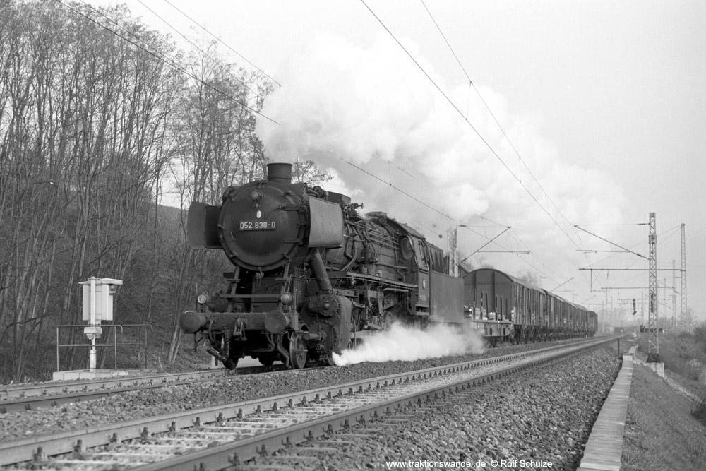 http://www.traktionswandel.de/pics/foren/hifo/1974/1974-04-11_A224-03_052838-0_BwCrailsheim_Ng16861_Koenigshofen_1000.jpg