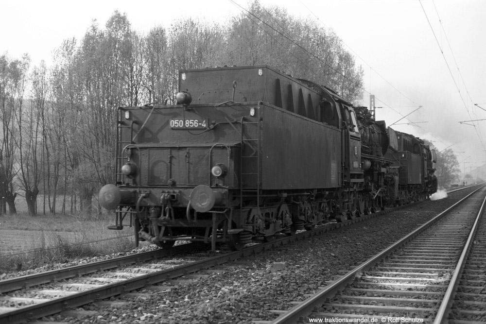 http://www.traktionswandel.de/pics/foren/hifo/1974/1974-04-11_A224-07_050856-4_053089-9_BwCrailsheim_Lz_Koenigshofen_1000.jpg