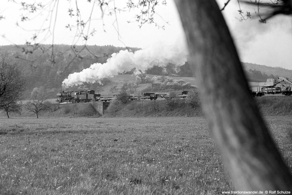 http://www.traktionswandel.de/pics/foren/hifo/1974/1974-04-11_A224-12_052509-7_BwCrailsheim_Dg7891_Koenigshofen_1000.jpg