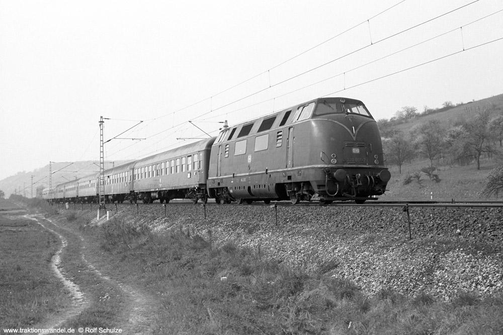 http://www.traktionswandel.de/pics/foren/hifo/1974/1974-04-11_A224-14_220001_BwWuerzburg_D594_Sachsenflur_1000.jpg