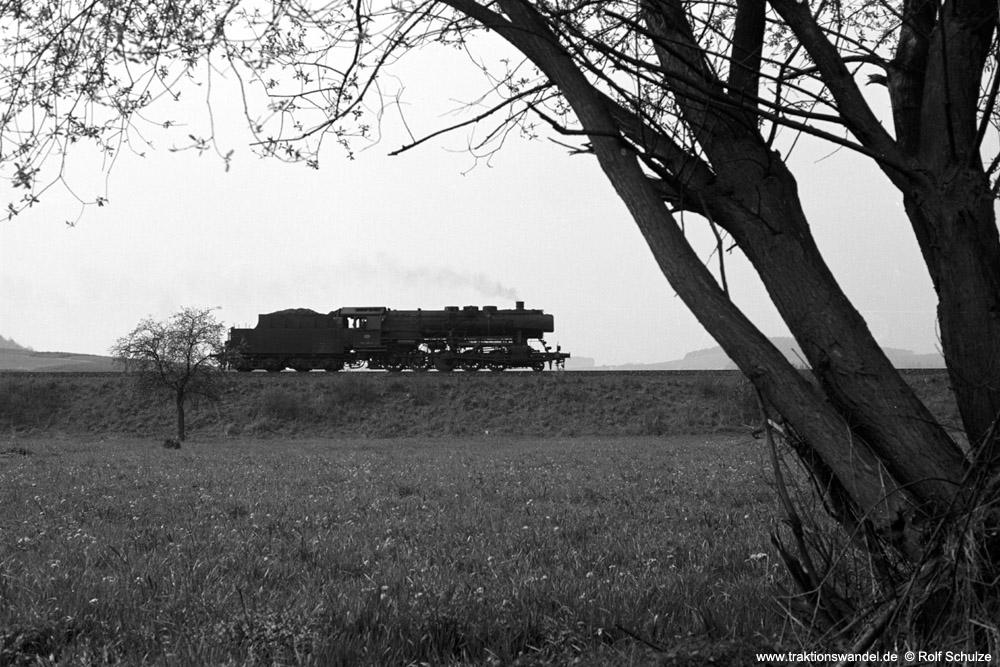 http://www.traktionswandel.de/pics/foren/hifo/1974/1974-04-11_A224-21_052406-6_BwCrailsheim_Lz_Koenigshofen_1000.jpg