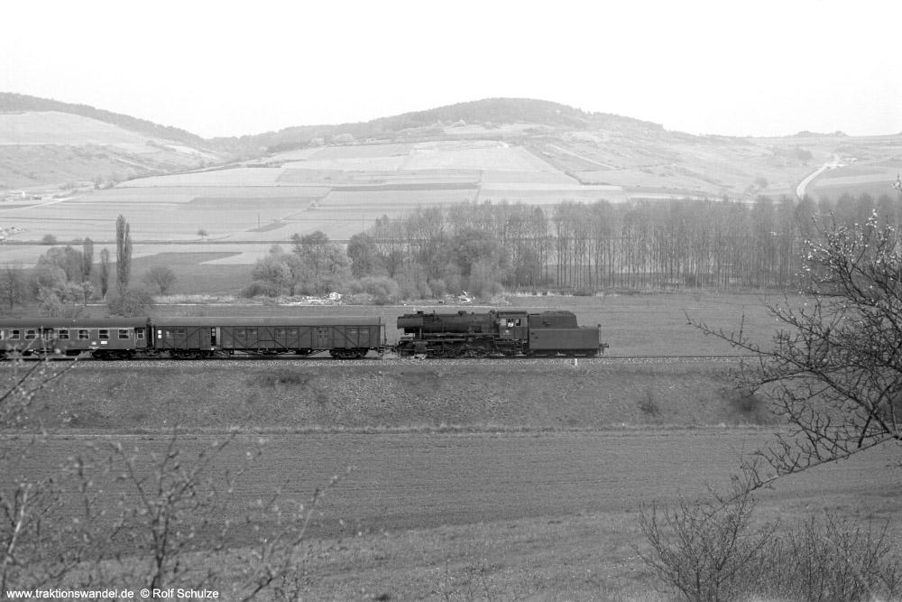 http://www.traktionswandel.de/pics/foren/hifo/1974/1974-04-11_A224-28_023039-1_BwCrailsheim_N2723_Koenigshofen_1000.jpg