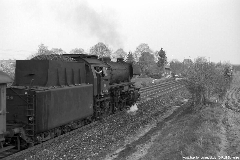 http://www.traktionswandel.de/pics/foren/hifo/1974/1974-04-11_A225-06_023012-8_BwCrailsheim_N3899_Lindflur-km146-8_1000.jpg