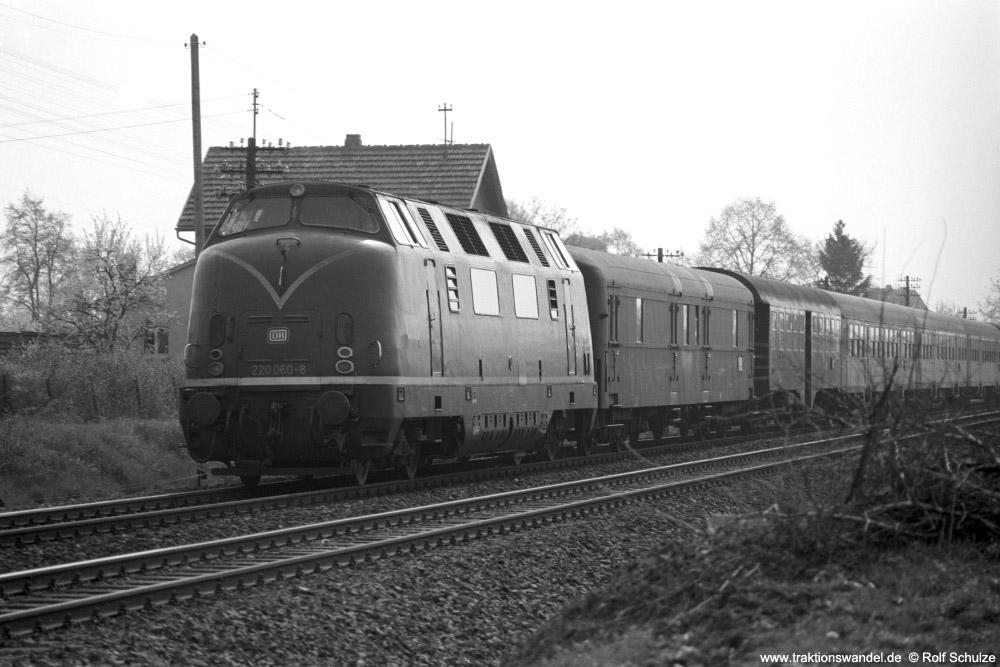 http://www.traktionswandel.de/pics/foren/hifo/1974/1974-04-12_A225-14_220060-8_BwWuerzburg_N1645_b-Geroldshausen_1000.jpg
