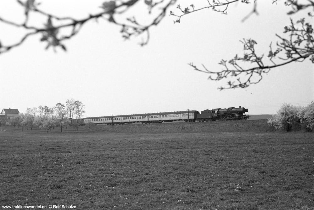http://www.traktionswandel.de/pics/foren/hifo/1974/1974-04-12_A225-16_053089-9_BwCrailsheim_N3888_b-Geroldshausen_1000.jpg