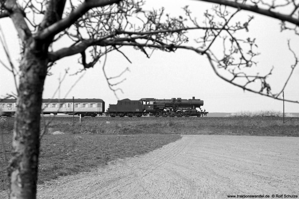 http://www.traktionswandel.de/pics/foren/hifo/1974/1974-04-12_A225-17_053089-9_BwCrailsheim_N3888_b-Geroldshausen_1000.jpg