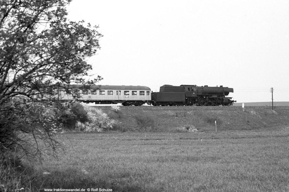 http://www.traktionswandel.de/pics/foren/hifo/1974/1974-04-12_A225-19_023039-1_BwCrailsheim_E1643_b-Geroldshausen_1000.jpg