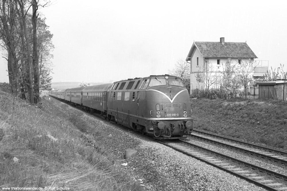 http://www.traktionswandel.de/pics/foren/hifo/1974/1974-04-12_A225-21_220010-3_Bw-Wuerzburg_D593_b-Geroldshausen_1000.jpg