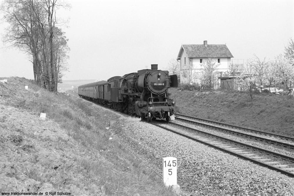 http://www.traktionswandel.de/pics/foren/hifo/1974/1974-04-12_A225-22_053089-9_BwCrailsheim_N3895_b-Geroldshausen_1000.jpg