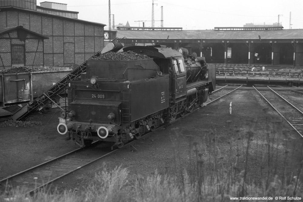 http://www.traktionswandel.de/pics/foren/hifo/1974/1974-05-05_A232-27_24009_imBwFrankfurt-M-2_rssh_1000.jpg