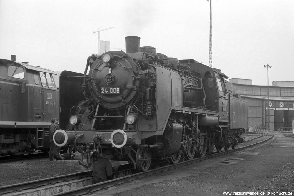 http://www.traktionswandel.de/pics/foren/hifo/1974/1974-05-05_A233-04_24009_imBwFrankfurt-M-2_lss_1000.jpg