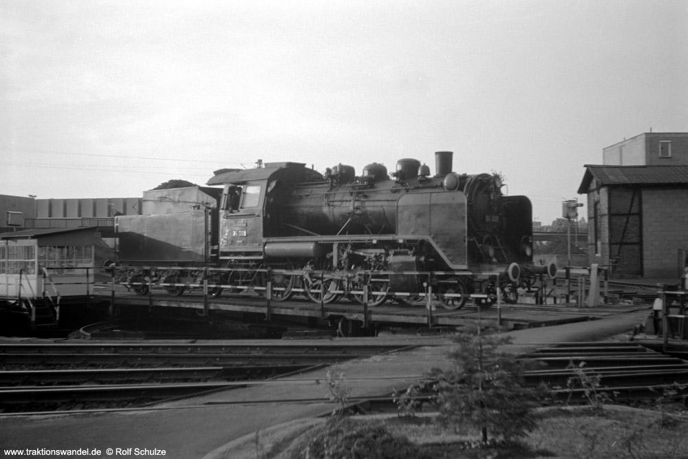 http://www.traktionswandel.de/pics/foren/hifo/1974/1974-05-11_A236-37_24009-EK_imBwFrankfurt-M-2_1000.jpg