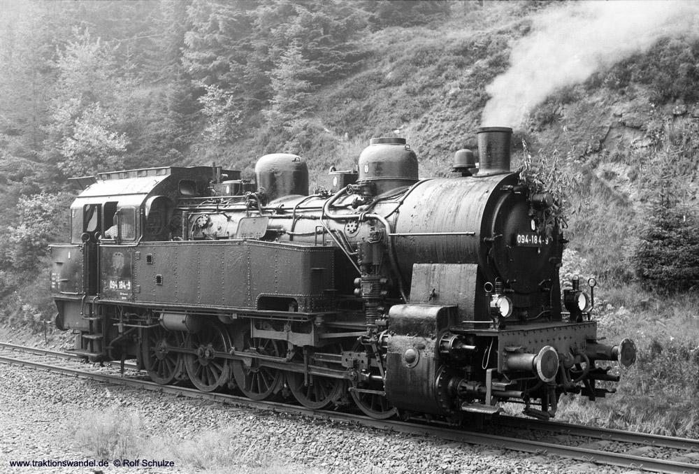 http://www.traktionswandel.de/pics/foren/hifo/1974/1974-08-04_A260-19_094184-9_BwLehrte_Altenau-umsetzen_1000.jpg