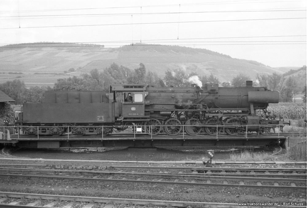 http://www.traktionswandel.de/pics/foren/hifo/1974/1974-10-08_A273-27_053089-9_BwCrailsheim_inLauda-Drehsch_1000.jpg