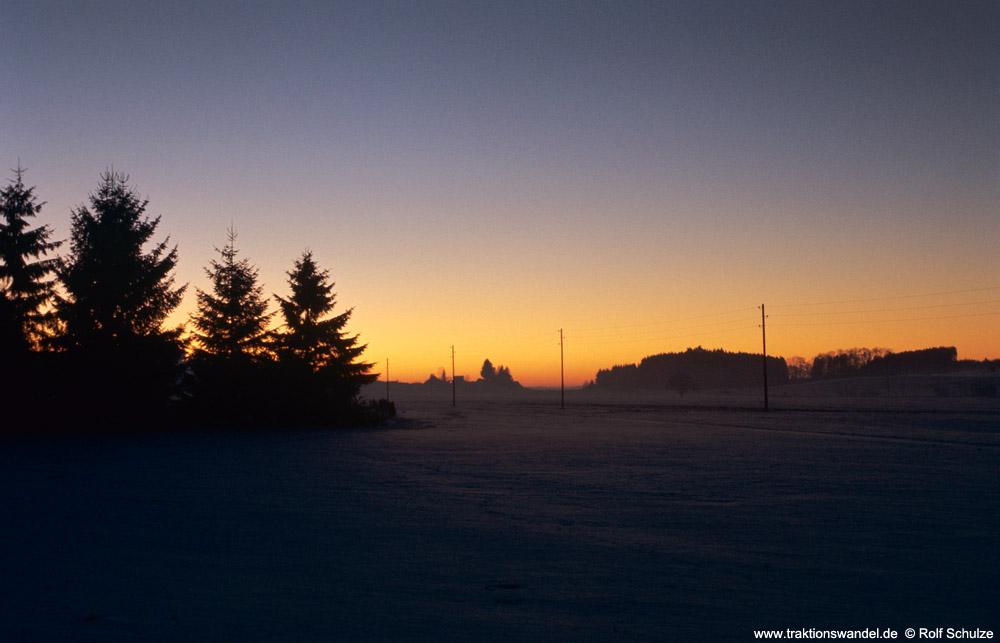 http://www.traktionswandel.de/pics/foren/hifo/1975-12-28_E19-21_Allgaeu-Sonnenuntergang_1000.jpg