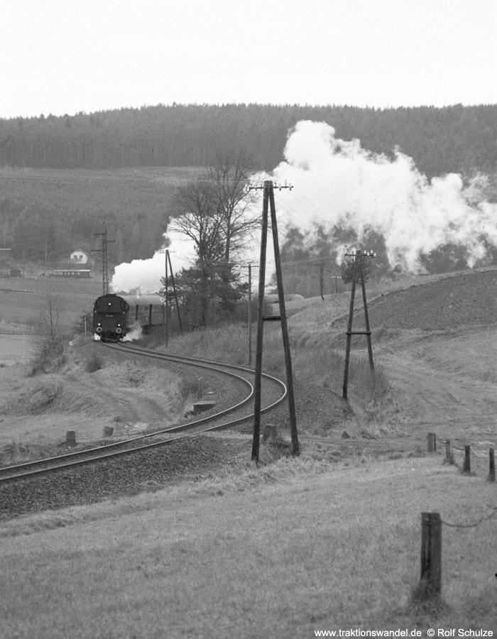 http://www.traktionswandel.de/pics/foren/hifo/1975/1975-12-07_A322-25_86346-UEF_Sdz_Rhoen_900.jpg