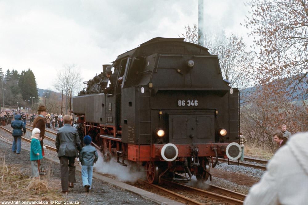 http://www.traktionswandel.de/pics/foren/hifo/1975/1975-12-07_E17-03_86346-UEF_Rhoen_1000.jpg