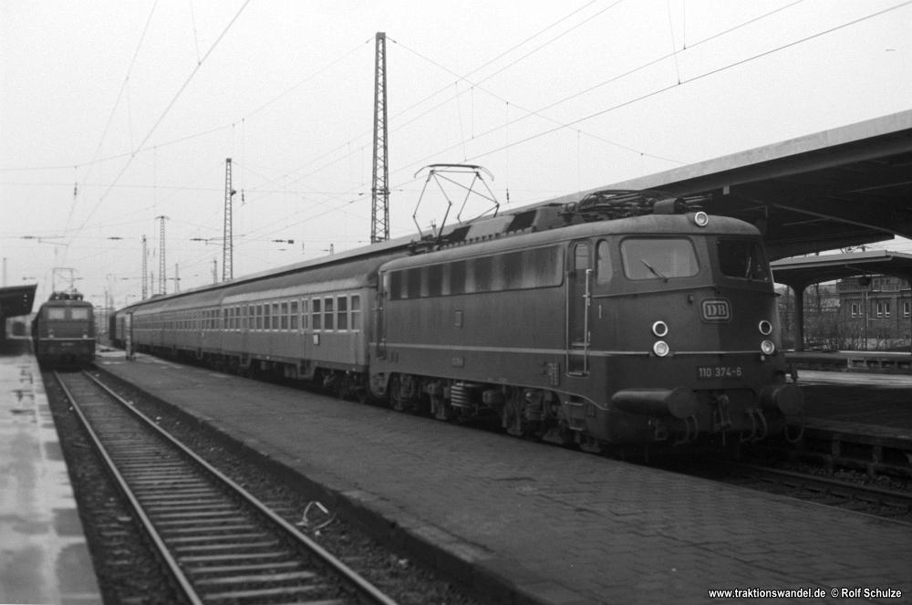 http://www.traktionswandel.de/pics/foren/hifo/1976/1976-01-03_A325-20_110374-6_BwHamburg-Eidelstedt_E_Goettingen_1000.jpg