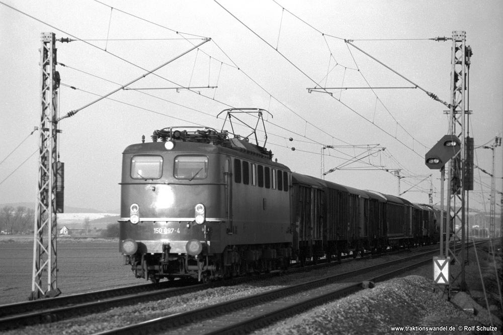 http://www.traktionswandel.de/pics/foren/hifo/1976/1976-01-04_A326-07_150097-4_BwBebra_Gz_beiNortheim_1000.jpg