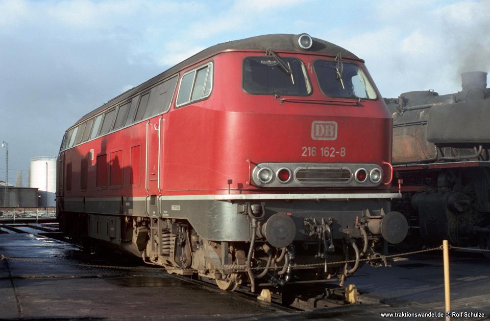 http://www.traktionswandel.de/pics/foren/hifo/1976/1976-01-04_E21-11_216162-8_BwBraunschweig_imBwNortheim_1000.jpg