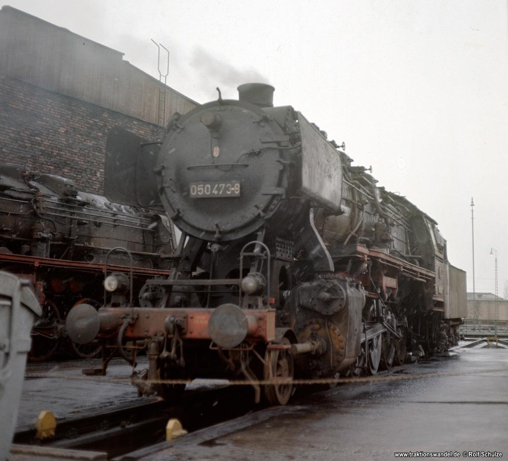 http://www.traktionswandel.de/pics/foren/hifo/1976/1976-01-04_F14-01_050473-8_BwLehrte_imBwNortheim_1000.jpg