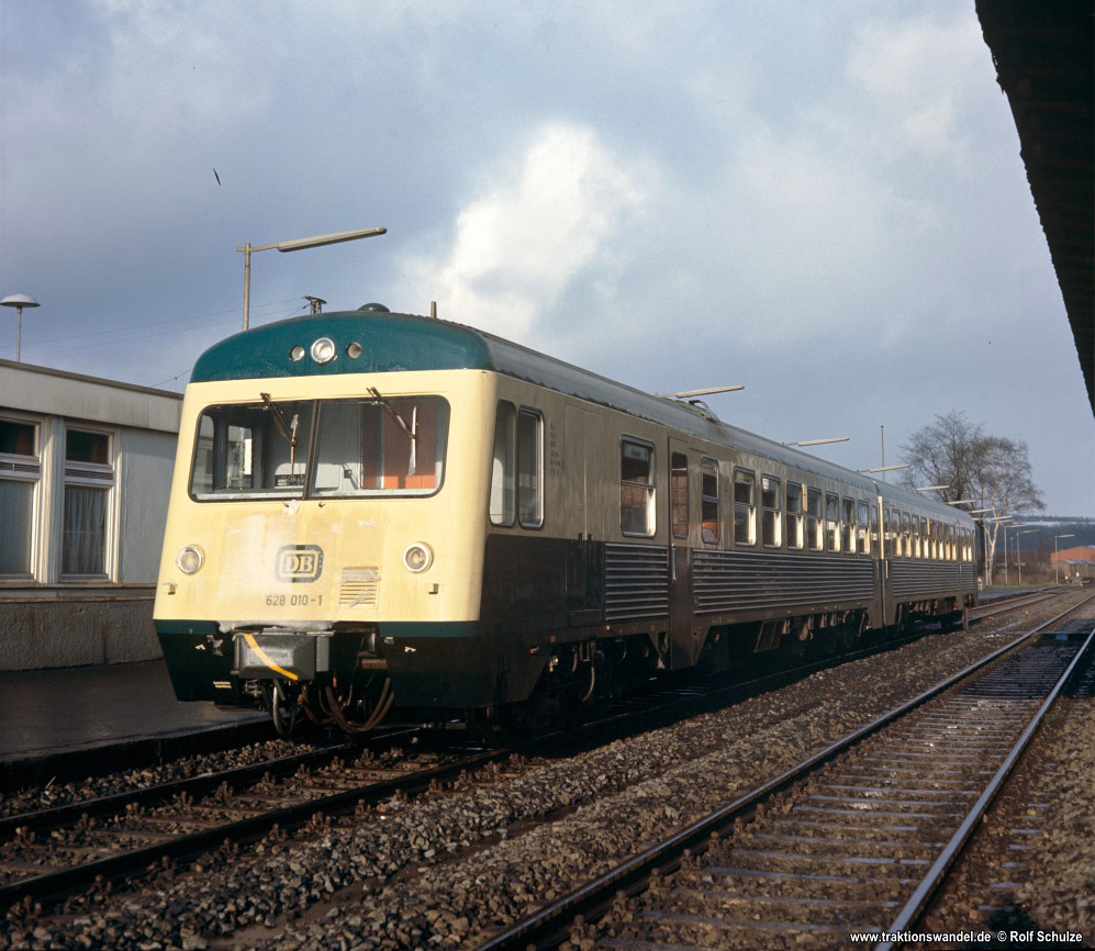 http://www.traktionswandel.de/pics/foren/hifo/1976/1976-01-04_F14-02_628010-1_BwBraunschweig_inNortheim_1000.jpg