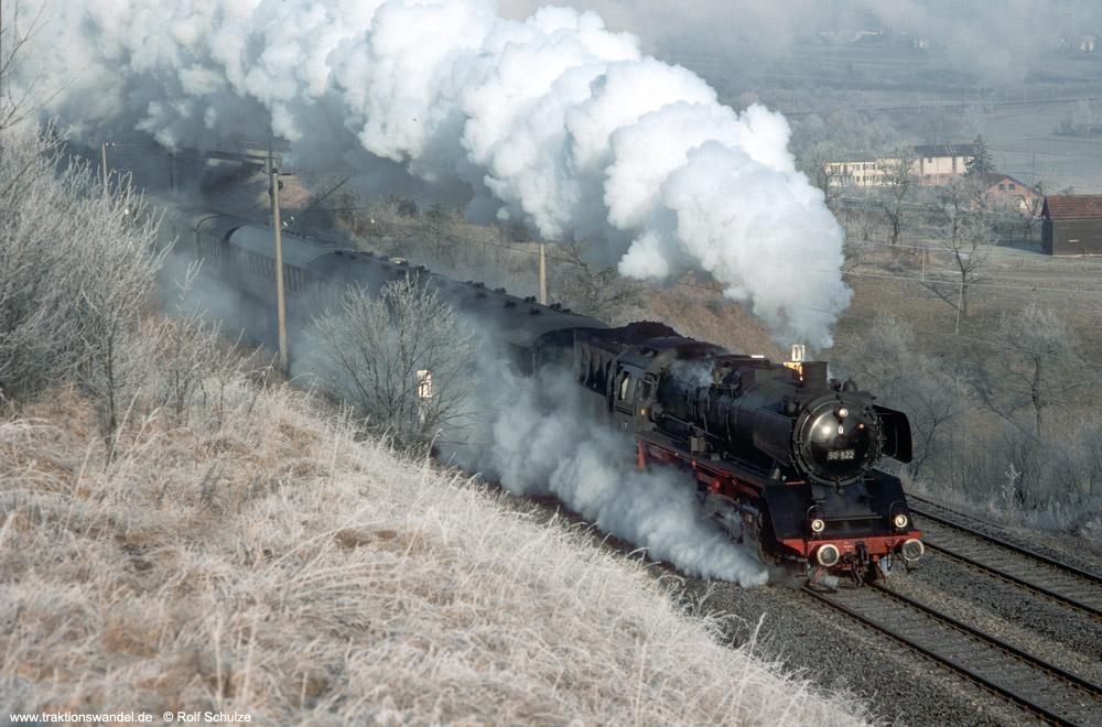 http://www.traktionswandel.de/pics/foren/hifo/1990/1990-01-14_E100-02_50622_Sdz_Herrenberg-Haslach_1000.jpg