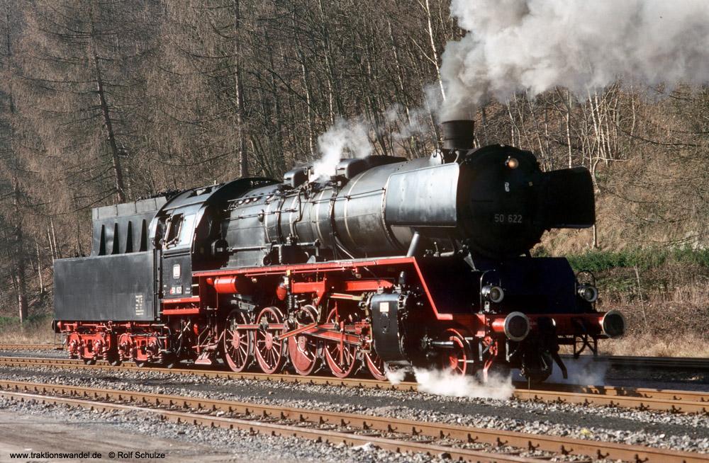http://www.traktionswandel.de/pics/foren/hifo/1990/1990-01-14_E100-14_50622_Alpirsbach_1000.jpg