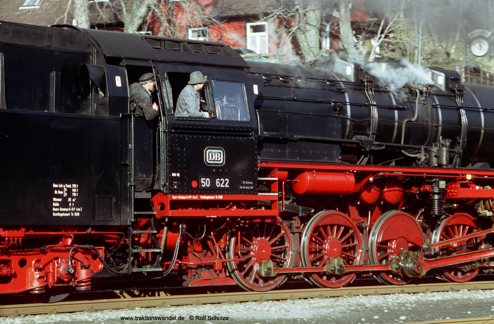 http://www.traktionswandel.de/pics/foren/hifo/1990/1990-01-14_E100-18_50622_Alpirsbach_1000.jpg
