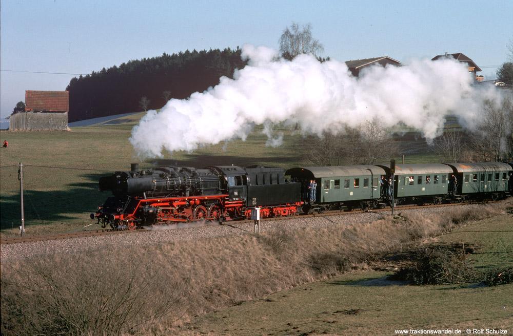 http://www.traktionswandel.de/pics/foren/hifo/1990/1990-01-14_E100-27_50622_Sdz_Lauterbad_1000.jpg