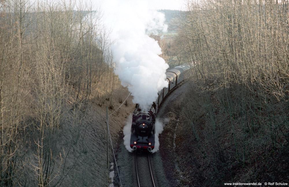 http://www.traktionswandel.de/pics/foren/hifo/1990/1990-01-14_E101-10_50622_Sdz_noerdl-Lossburg_1000.jpg