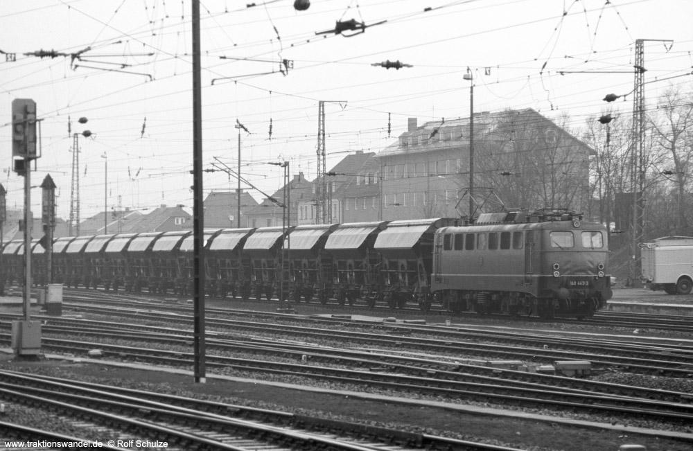 http://www.traktionswandel.de/pics/foren/hifo/fragen/1976-03-20_A330-35_140443-3_Ganzzug_wo_1000.jpg