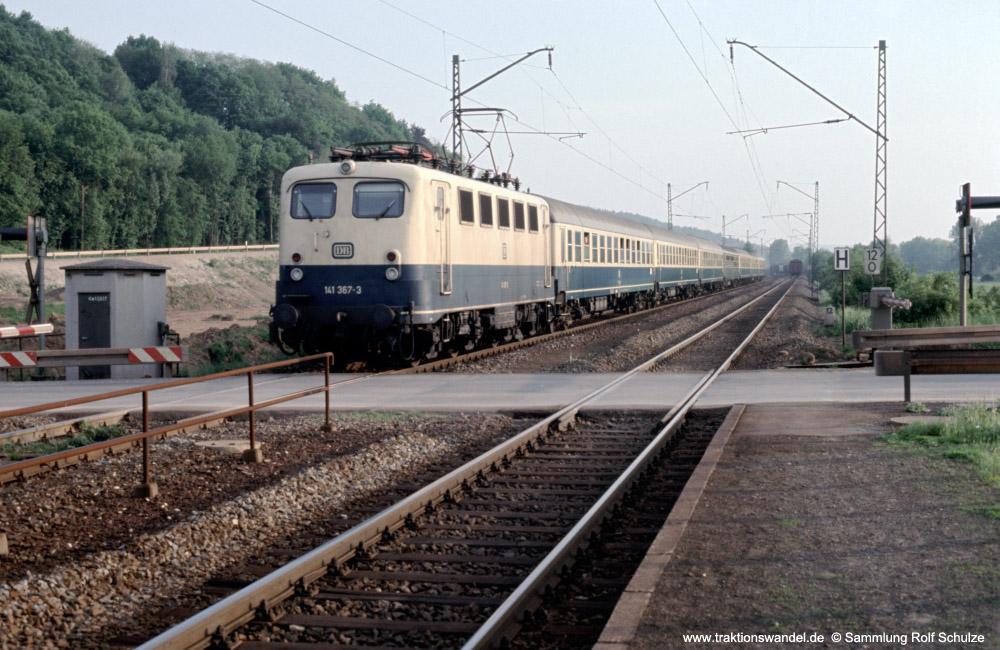 http://www.traktionswandel.de/pics/foren/hifo/fragen/19xx_141376-3_Bw_BU-km12-027_1000.jpg
