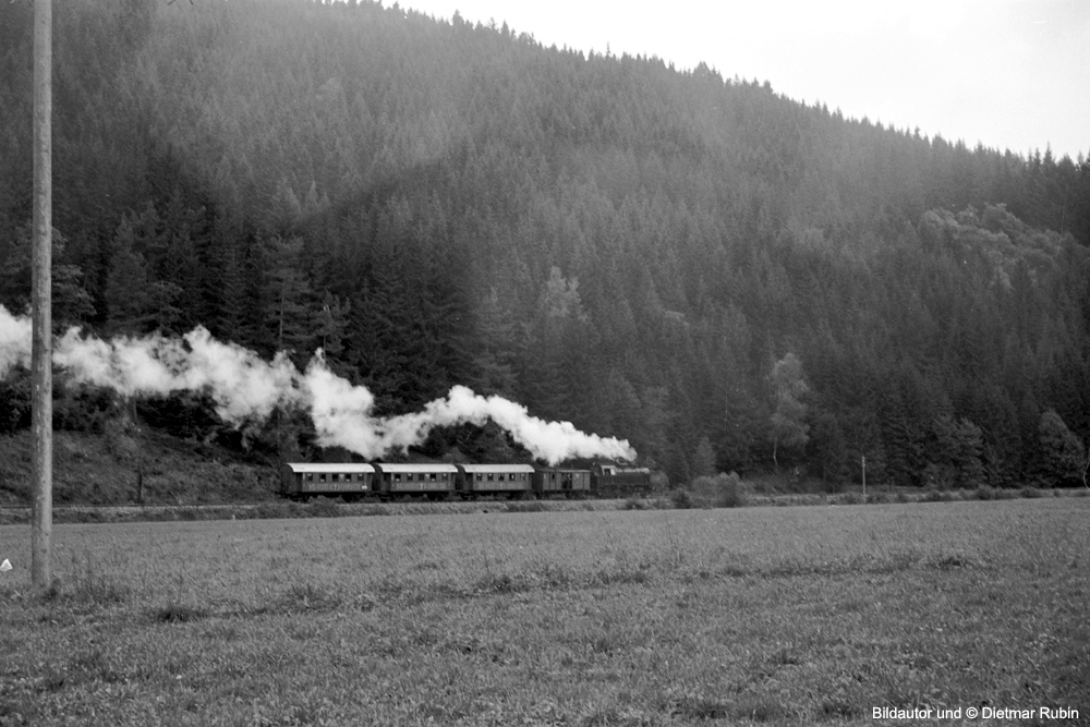 http://www.traktionswandel.de/pics/foren/hifo/rubin/12_1967-68_063fp3-17_MEG-401_P-Zug_imBregtal_DietmarRubin_1000.jpg