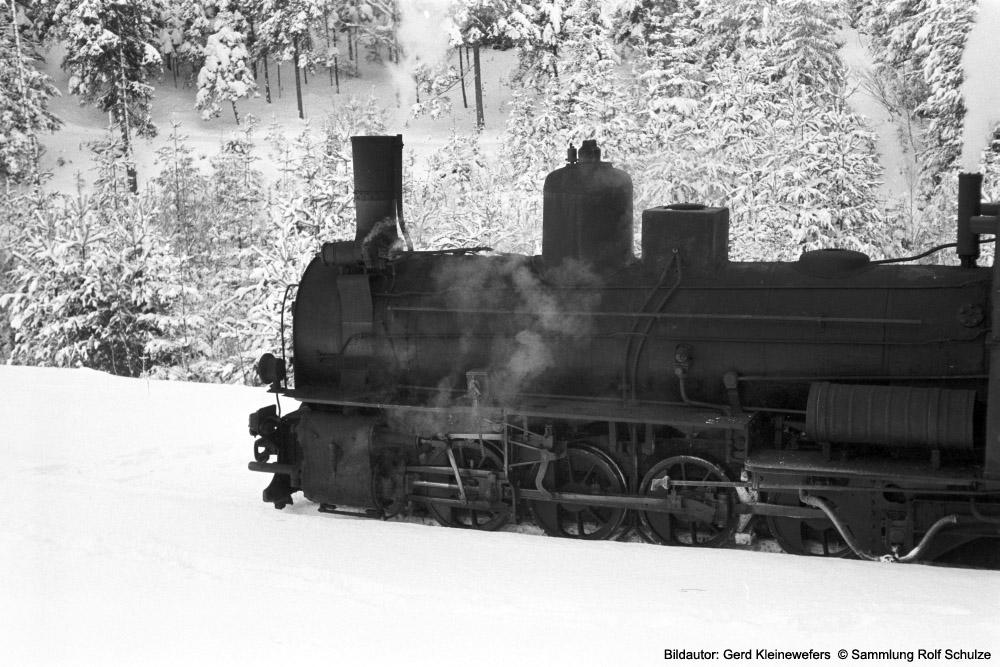 http://www.traktionswandel.de/pics/foren/hifo/sammlung/1973-02-26_06A_399-02-OeBB_Zgfst-Gmuend_Waldviertelbahn_GerdKleineswefers_1000.jpg