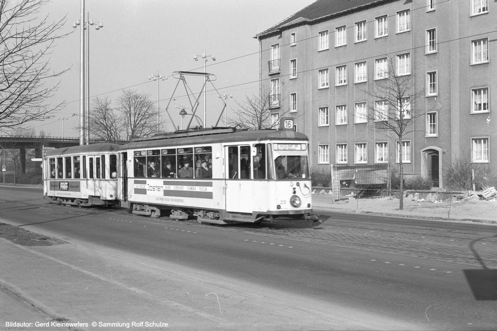 http://www.traktionswandel.de/pics/foren/hifo/sammlung/c_1964-1970_Bd05_Rheinbahn_Wg29_Linie16_Duesseldorf_GerdKleinewefers_1000.jpg