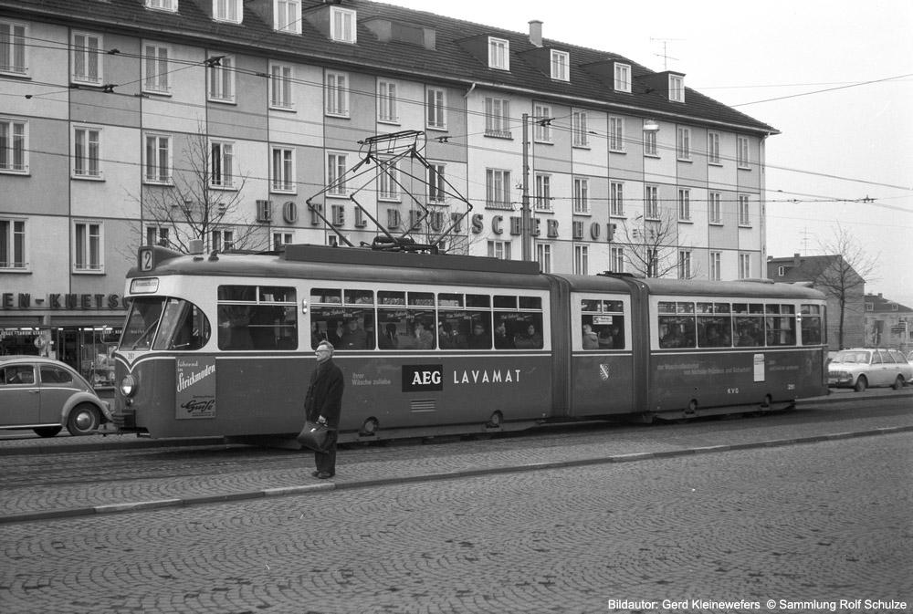 http://www.traktionswandel.de/pics/foren/hifo/sammlung/s_1964-1970_Bd23_Kassel_KVG_Wagen261_GerdKleinewefers_1000.jpg