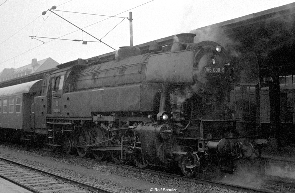 http://www.traktionswandel.de/pics/foren/hifo/temporaer/1972-01-10_A67-25_065008-5_N3308_AschaffenburgHbf_1000.jpg