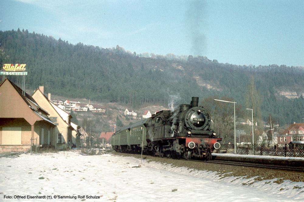 http://www.traktionswandel.de/pics/foren/kl-we/1974-01-03_078246_BwRottweil_N_Aistaig_OtfriedEisenhardt_1000.jpg