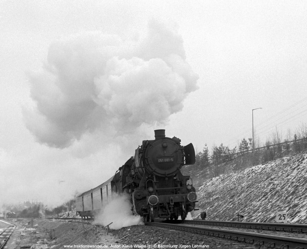 http://www.traktionswandel.de/pics/foren/kl-we/1974-03-xx_sw13-15_051681-5_BwRottweil_N_Villingen_KlausWeigel_1000.jpg