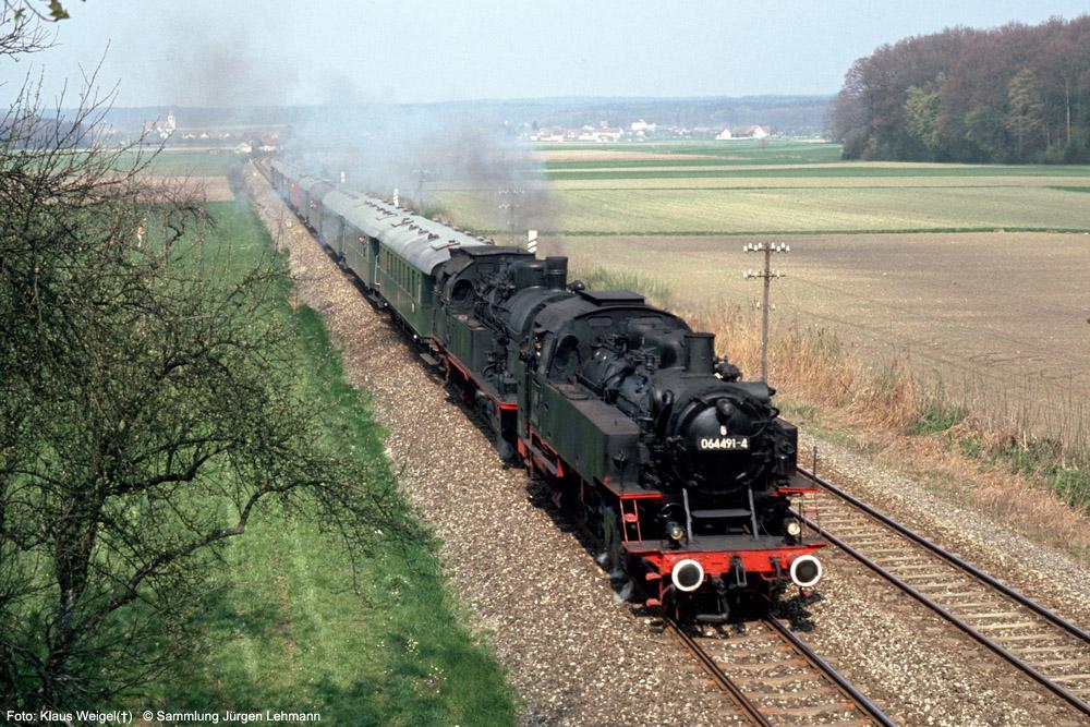 http://www.traktionswandel.de/pics/foren/kl-we/1974-04-07_113_064419_078246_Sdz_Mochenwangen_KlausWeigel_1000.jpg