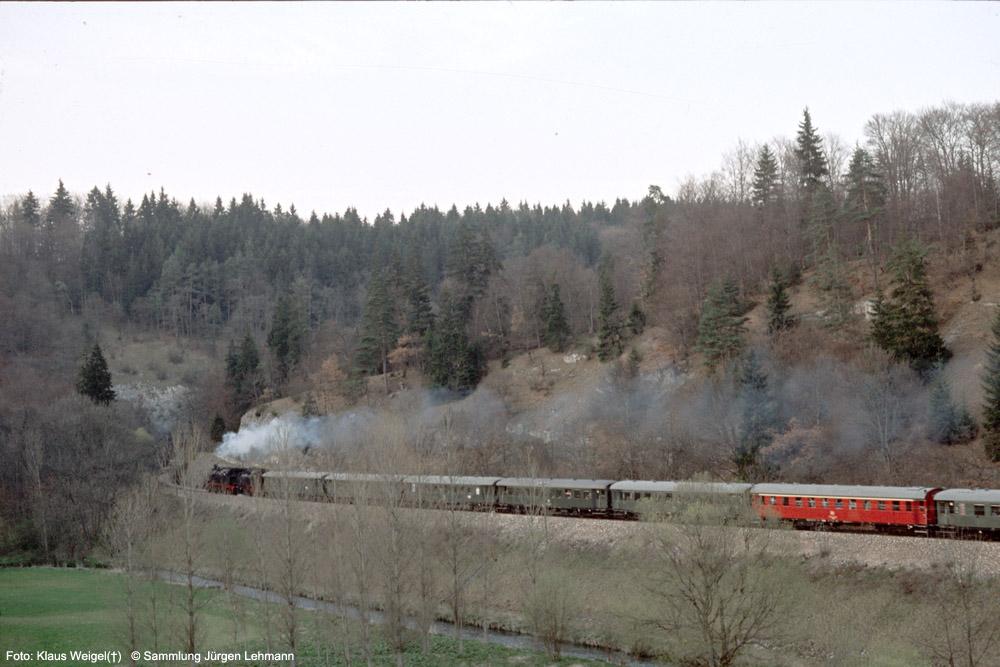 http://www.traktionswandel.de/pics/foren/kl-we/1974-04-07_209_078246_064491_Sdz_b-Inzigkofen_KlausWeigel_1000.jpg