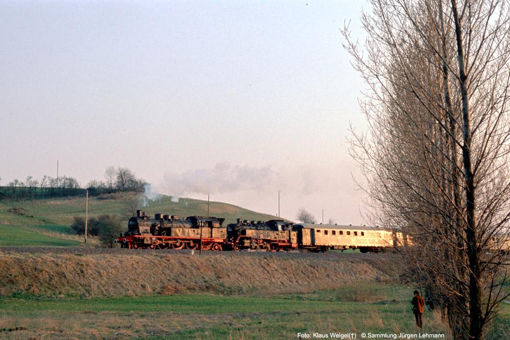 http://www.traktionswandel.de/pics/foren/kl-we/1974-04-07_215_078246_064491_Sdz_km39_KlausWeigel_1000.jpg