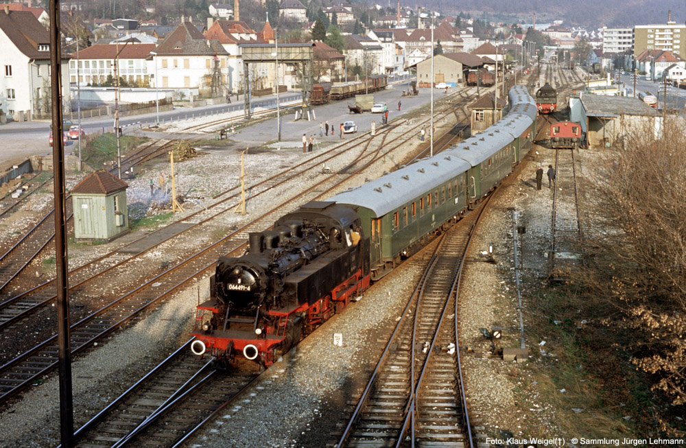 http://www.traktionswandel.de/pics/foren/kl-we/1974-04-07_309_064491_Sdz_Ebingen_KlausWeigel_1000.jpg