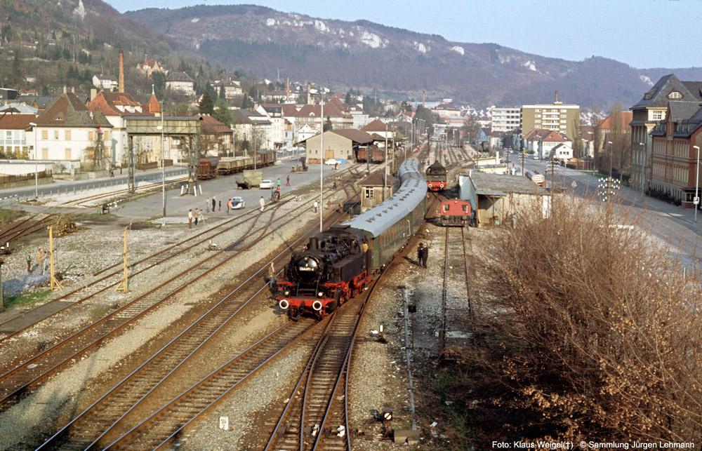 http://www.traktionswandel.de/pics/foren/kl-we/1974-04-07_310_064491_Sdz_Ebingen_KlausWeigel_1000.jpg