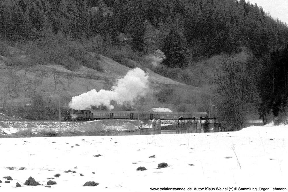 http://www.traktionswandel.de/pics/foren/kl-we/1974-0x-xx_sw47-03_078246_BwRottweil_N3937_Talhausen_1000Aus.jpg