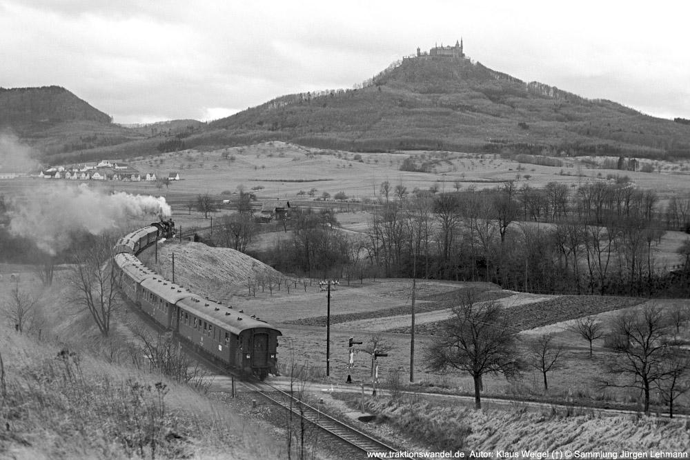 http://www.traktionswandel.de/pics/foren/kl-we/1974-12-29_sw43-17_078246_038772_Sdz_b-Hechingen_1000.jpg